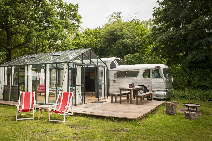 greyhound bus - kampeerterrein de lievelinge
